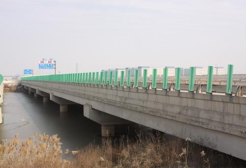 纵七路中心河桥